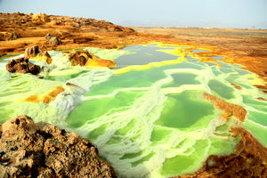 This Alien Land Is One Of Hottest Places On Earth: Exploring Danakil Depression!