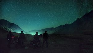 4 Bikers.An endless road.A Sky full of Stars.