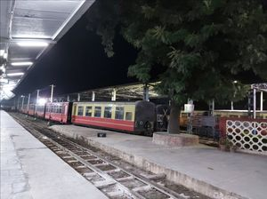 Best way to reach Queen of Hills in Winters | Board a Toy Train from Kalka