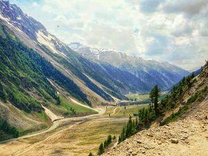 Kashmir: Into the ridges and cliffs.