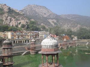 Moosi Maharani ki Chhatri 1/2 by Tripoto