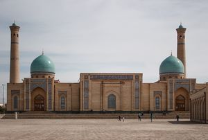 A budget guide for 10 days in Uzbekistan