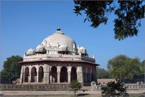 Isa Khan's Tomb 1/5 by Tripoto