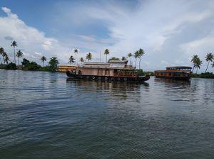 Serene Backwaters #keralatourism #alleppyboathouse