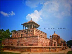 Khushro Bagh in Praygraj