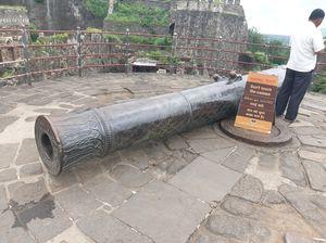 CANON AT DAULATABAD FORT