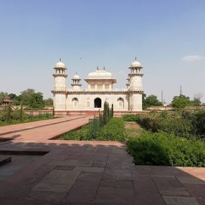 This one is awesome for visit to uttar pradesh...must visit Taaj Mahal