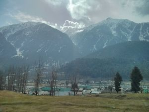 Romancing the Snow in Kashmir