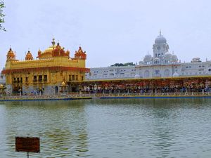 Golden temple should be in every traveller's bucket list. A place to be and realize SELF !!!