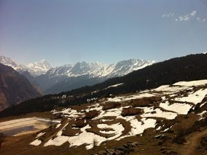 Visions in white. A day trek in Auli