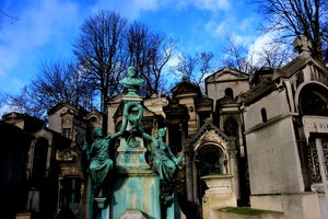 Beautiful Death!! Père Lachaise Cemetery