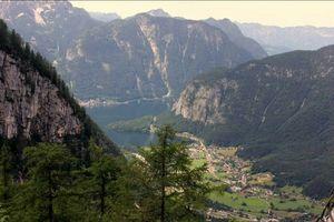 Hallstatt : The pearl of Austria