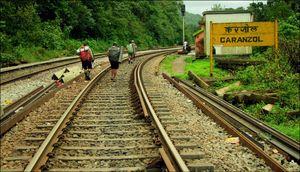 Caranzol Railway Station 1/6 by Tripoto