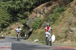 Easy downhill cycling from Jalori pass, HP