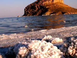 Lake Urmia 1/undefined by Tripoto