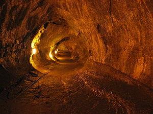 Thurston Lava Tube (Nahuku) 1/1 by Tripoto