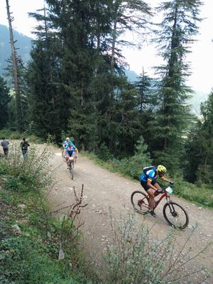 Asia's Toughest Cycle Race Flags Off - Tripoto Covers The Hero MTB Himalaya '16