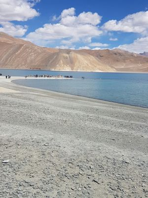An idiot's journey- Pangong Tso - Day 4 Kashmir Diary