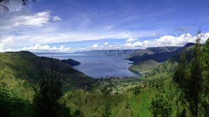 Haila! The Largest Volcanic Lake In The World - Any Guesses?