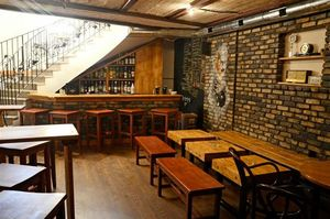 Pocket-Friendly Bars In Delhi Where You Can Eat, Drink And Be Merry