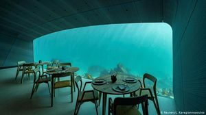 'Under' Water Restaurant & Good Food –Is What Norway Offers You Now!