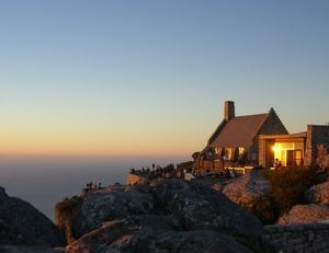 Table Mountain 1/undefined by Tripoto