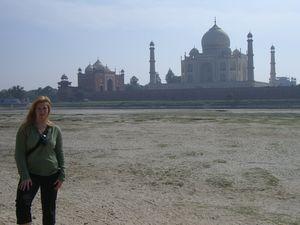 Taj Mahal 1/159 by Tripoto