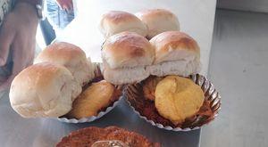 Potpourri of street foods across Mumbai! #streetfoodpics #IWillGoAnywhereForFood