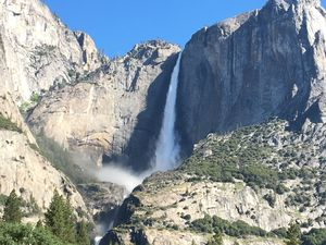 A Day Hiking in Yosemite National Park