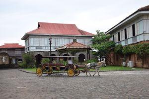Las Casas Filipinas de Acuzar 1/4 by Tripoto