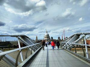 Millennium Bridge 1/undefined by Tripoto