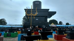 Kotilingeshwar - Temple of 10million lingas