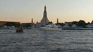 Wat Arun and Chao Faraya River Cruise