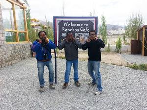मिशन लद्दाख-8: रेंचो स्कूल (Mission Ladakh-8: Rancho School) - Travel With RD