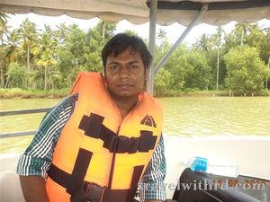 आखिर तटों के अलावा और क्या है खास केरल में? ( Kerala Backwaters) - Travel With RD