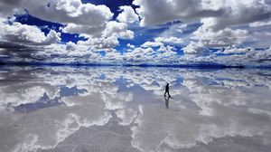 Uyuni Salt Flat 1/undefined by Tripoto