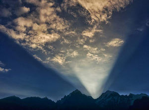 Unheard Stories from the Himalayas - The Legend of the Magical sunrise at Kinner Kailash.