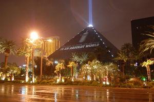 Luxor Hotel & Casino 1/1 by Tripoto