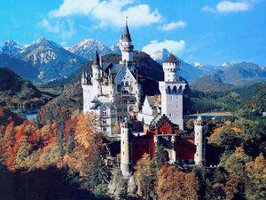 Neuschwanstein Castle 1/7 by Tripoto