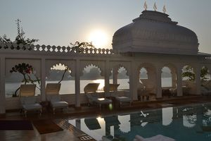 "TOP 5 LUXURY ""PRIVATE VILLA HOTELS"" IN INDIA"