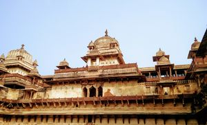 Twining in Jhansi, Orchcha & Khajuraho :)