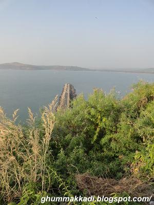 Ratnadurga Fort 1/17 by Tripoto