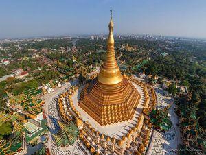Shwedagon Pagoda 1/16 by Tripoto