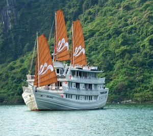 Lan Ha Bay 1/4 by Tripoto