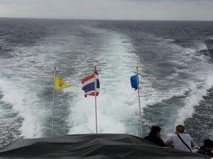 Phi phi island: photoblog
