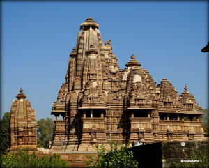 Jhansi-Orchha-Khajuraho - The history of Bravery and Sensuality! #TravelIndia