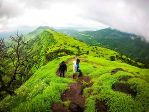 A monsoon hike to Garbett Point in Matheran #offbeatplace