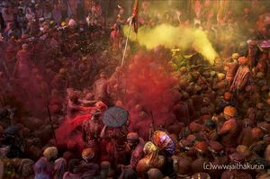 Lathmar Holi of Nandgaon: Riot of colors & thoughts