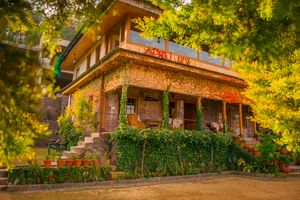 This 100-Year Old Villa in Dharampur is the Perfect Weekend Getaway for Peace and Nature Lovers