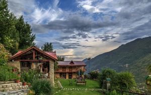 This Pahadi Home Sits Above The Beas River And Offers A 360° View Of The Kullu Valley